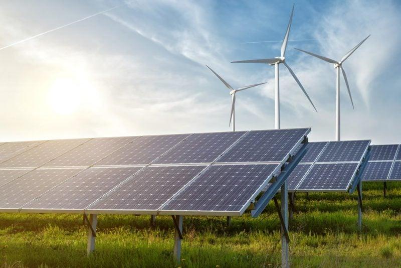 El sol puede ser fuente inagotable de energía mediante paneles solares.